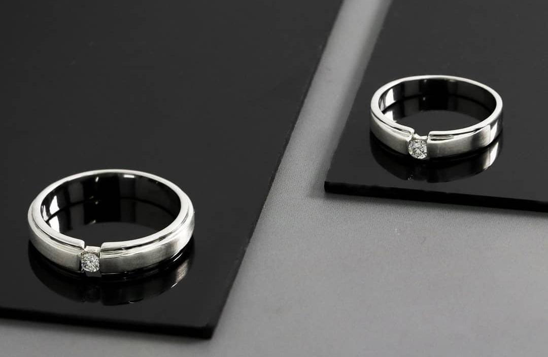 Pesan Cincin Pernikahan di Toko Perhiasan, Perhatikan Ini!